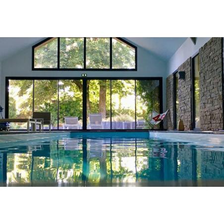 ©Manoir des Éperviers - Vue de la piscine intérieure