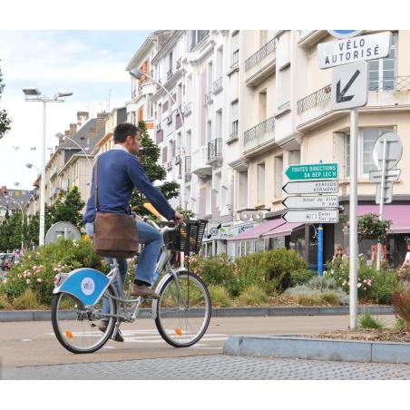 ©J. GRAND-COLAS - Ville de Lorient - Promenade à vélo en centre-ville