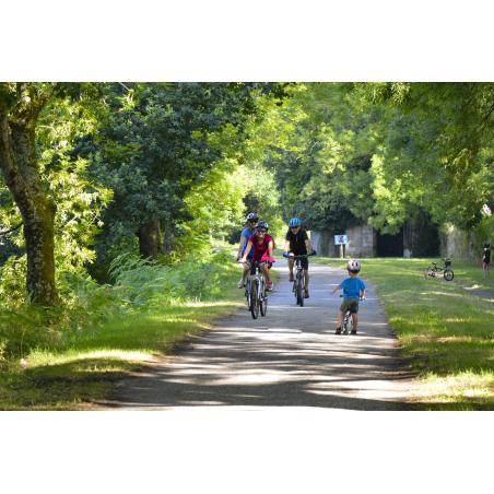 ©Emmanuel LEMEE-LBST - Balade à vélo sur le chemin du halage du Blavet à Hennebont