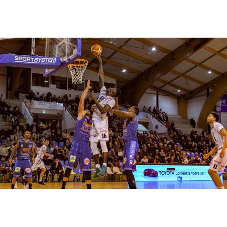 ©CEP - L'équipe Nationale 1 du CEP Basket Lorient en match