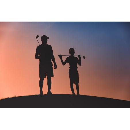 ©shutterstock - Golf en famille avec le coucher de soleil