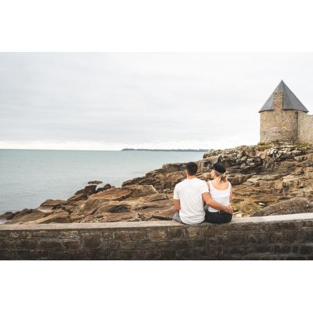 ©Tony Esnault-LBST - Posés dans les rochers face à l'Île de Groix