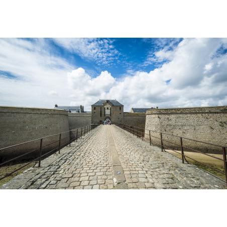 ©X.DUBOIS-LBST- Port-Louis, entrée de la Citadelle