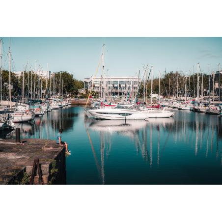 ©Lesbroz - LBST - Le bassin à flot et le Palais des congrès en centre-ville de Lorient