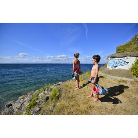 ©Emmanuel LEMEE-LBST- Des enfants avec les affaires de plage