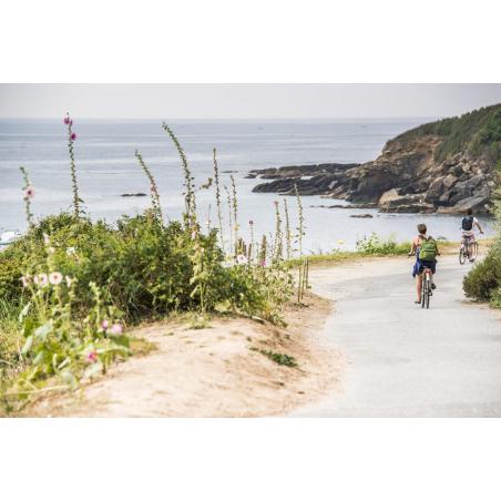 ©Xavier Dubois-LBST - Vélo sur le littoral de Groix