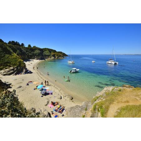 ©E. LEMEE-LBST- Baignade dans une eau translucide sur l'île de Groix