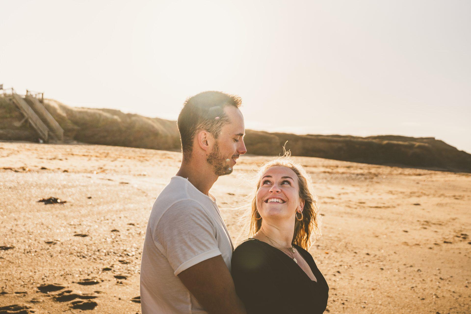 ©Tony esnault-LBST - Balade en amoureux sur la plage à Lorient Bretagne Sud