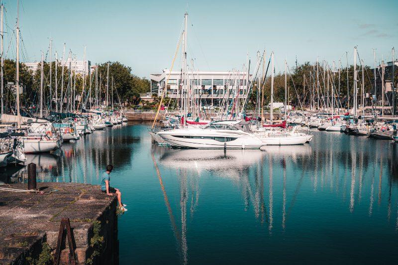©Lezbroz-LBST - Le port de plaisance et le bassin à flots au centre-ville de Lorient