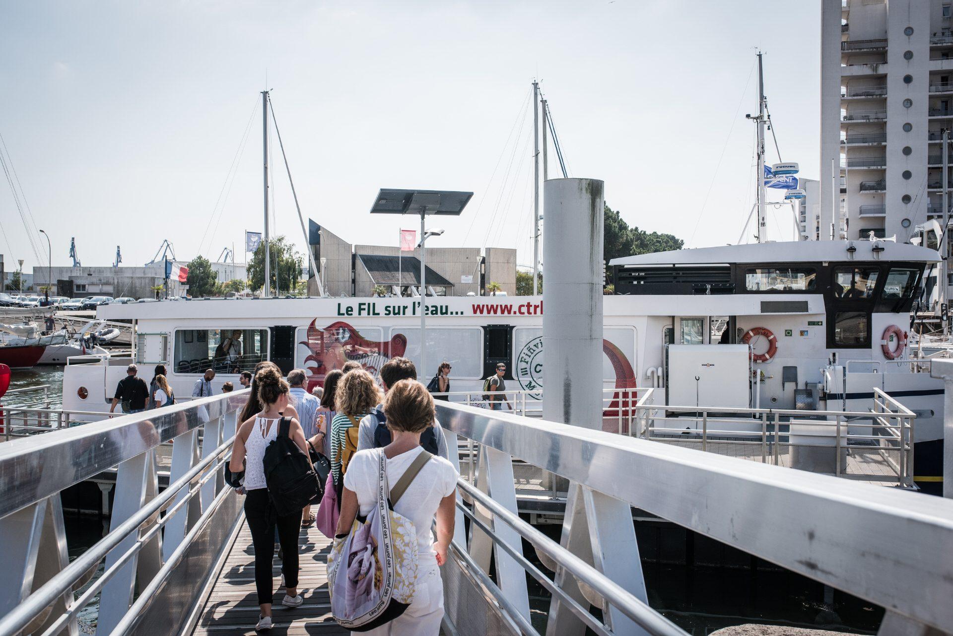 ©Xavier Dubois-LBST - Le bateau-bus à Lorient centre